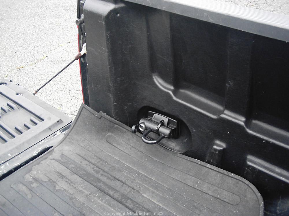 master lock u lock truck bed lock 8287ka ebay. Black Bedroom Furniture Sets. Home Design Ideas